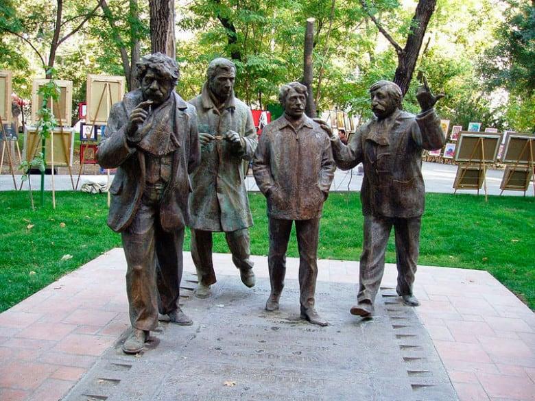 Tghamardik's statues