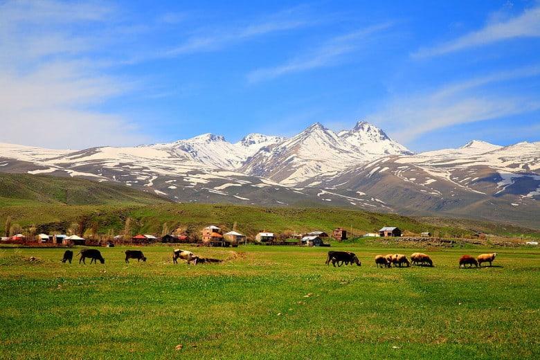 Aragat mountain's four peaks