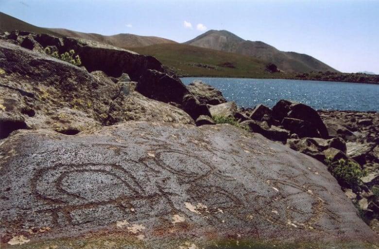 Petroglyphs on Ughtasar