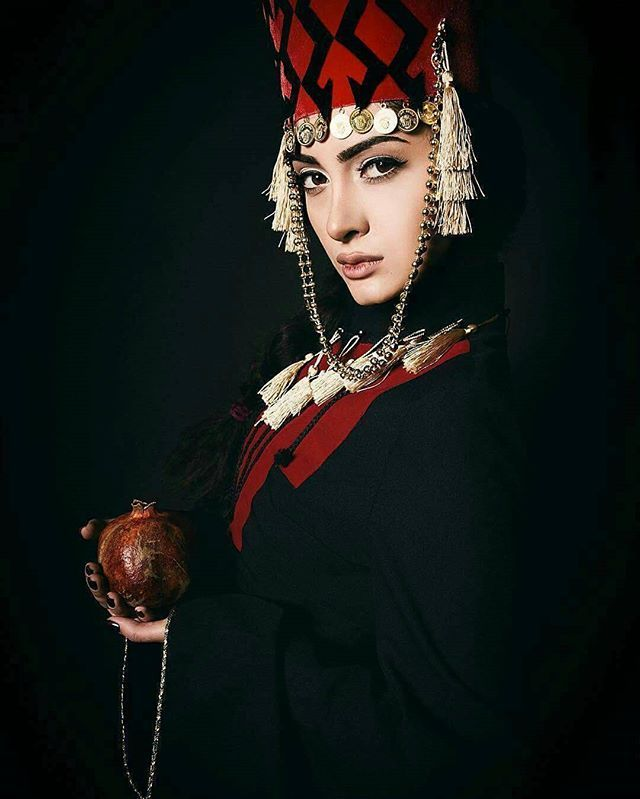 Taraz-Armenian National costume